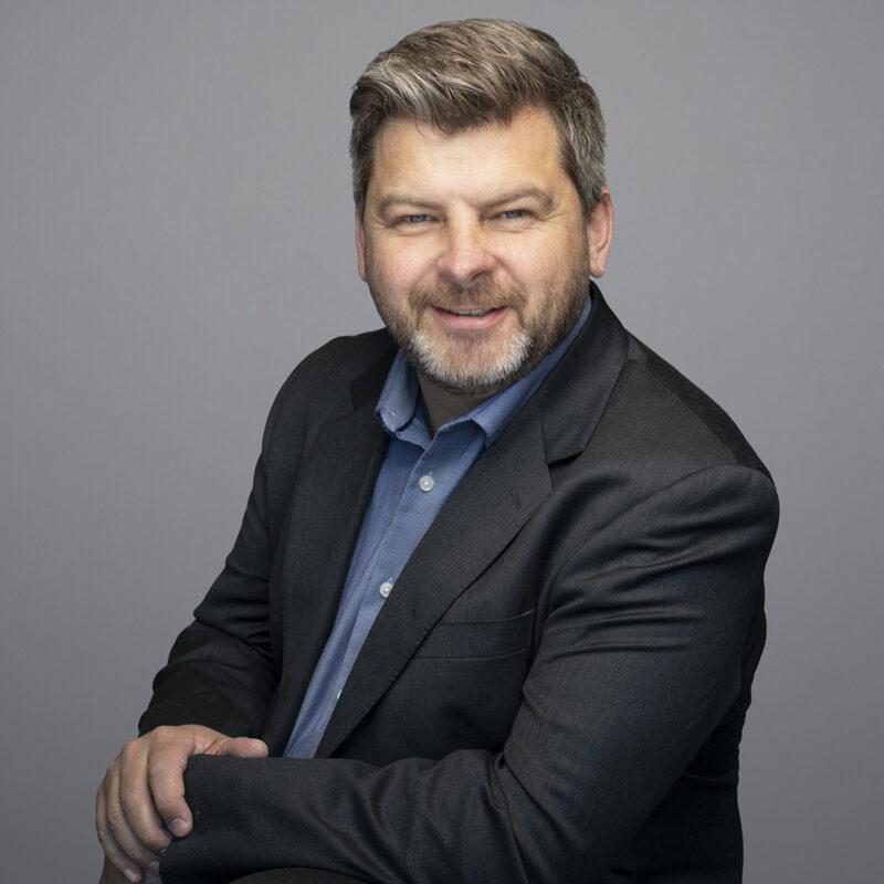 Dennis Vezeau